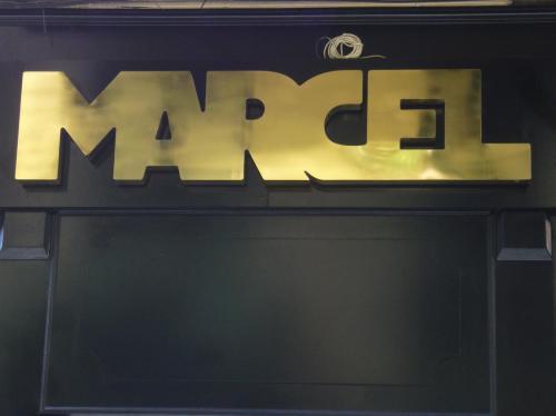 Foto de Dulo. Bar Marzel en el Barrio de las Letras, Madrid.