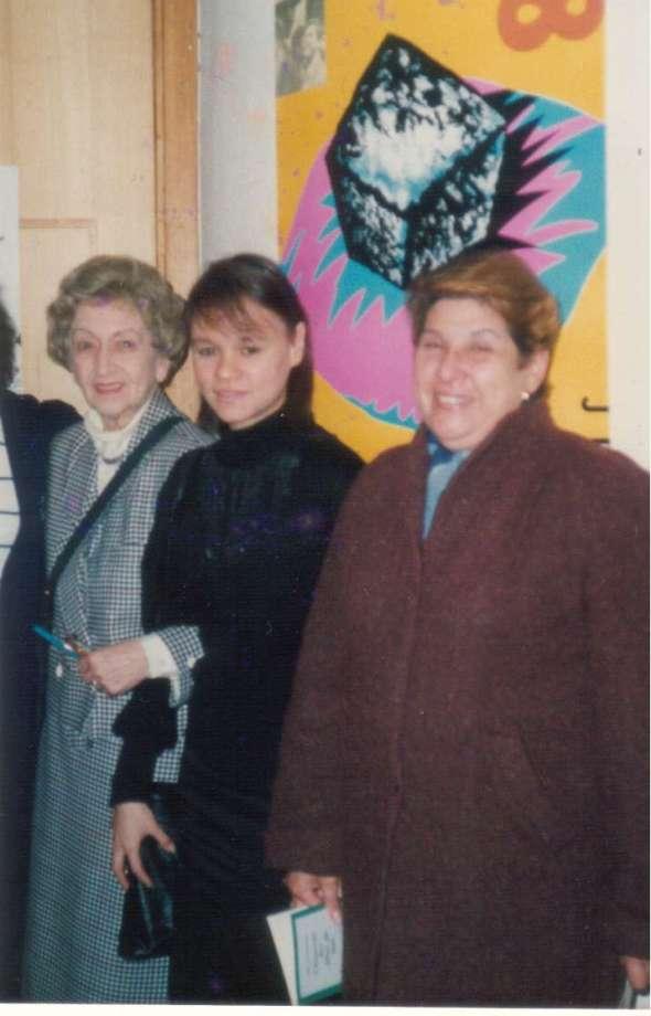 Con la escritora Alba de Céspedes,  y con María Montero. París, mediados de los años 80.