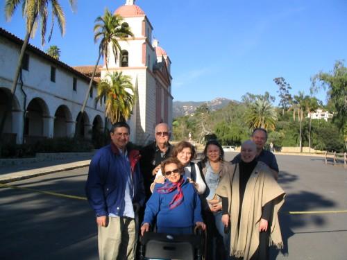 En Santa Bárbara, con Raúl, Sarita y Aurelio de la Vega, Norma Montero, Cecilia, el esposo de Norma y yo.