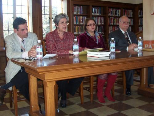 Con Néstor Diaz de Villegas, Nivia Montenegro y Aurelio de la Vega en Doheny Univ.