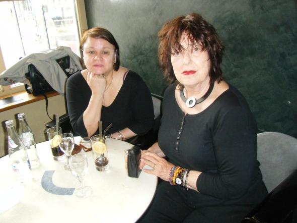 Nedda G. Anhalt y yo, en Paris (Foto Ricardo Vega)