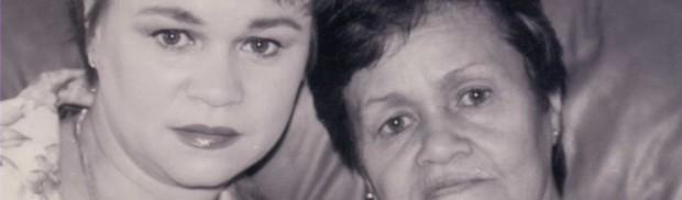 Con mi madre, enferma de cáncer en el exilio