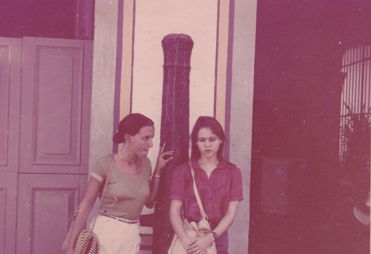 Ena y yo - La Habana Vieja - 1983 - Foto Ramón Unzueta