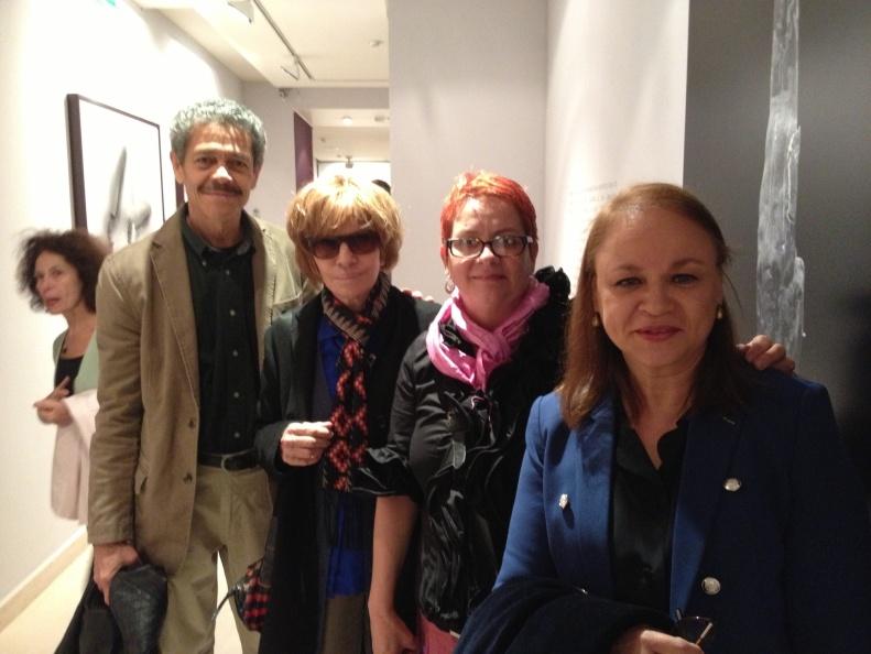 Con el cineasta cubano Eduardo Lamora, la cineasta y escritora Nadine Trintignant, y la artista Marta María Pérez Bravo en la Maison de l'Amérique Latine. París, septiembre del 2013.