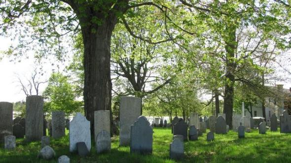 Old-North-Cemetery-Portsmouth--644x362