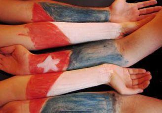 bandera-cubana-manos