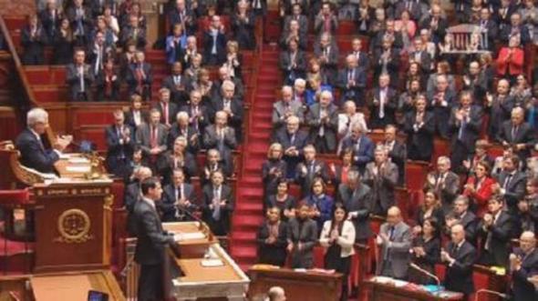 emotivo-canto-de-la-masellesa-en-la-asamblea-nacional-francesa-6048911