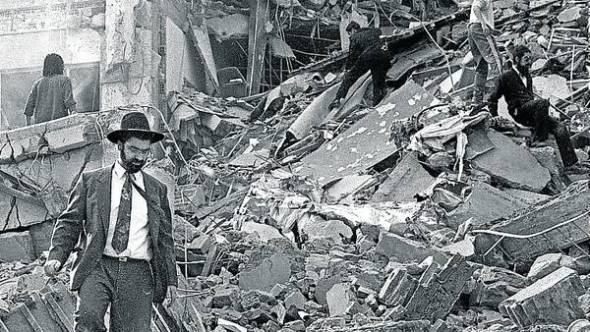 Explosion-AMIA-escombros-ataque-terrorista_CLAIMA20140103_0038_31