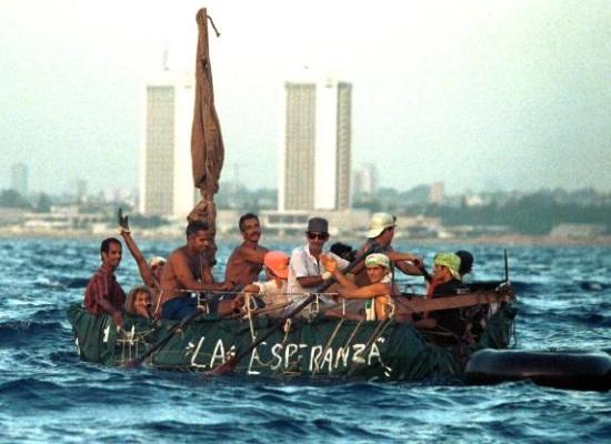 balseros_alejandose_de_costas_cubanas
