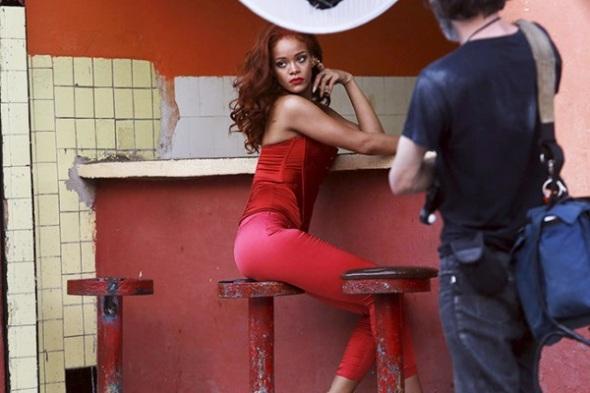 Image #: 37211336    Singer Rihanna poses for a photoshoot in Havana May 28, 2015. REUTERS/Stringer /LANDOV