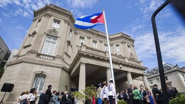 bandera-cuba-embajada--644x362