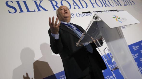 moratinos-ya-ofrece-su-lobby-para-hacer-negocios-en-cuba-y-factura-800-000-euros