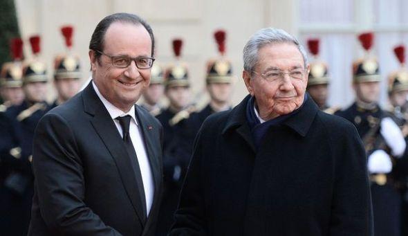 le-president-francais-francois-hollande-g-et-son-homologue-cubain-raul-castro-le-1er-fevrier-2016-au-palais-de-l-elysee-a-paris_5508477