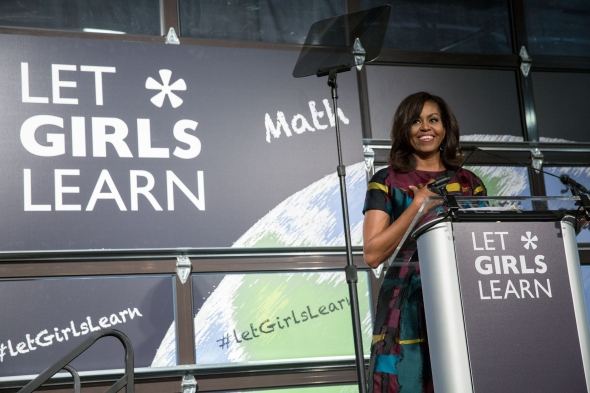 Michelle Obama primer aniversario de Let Girls Learn