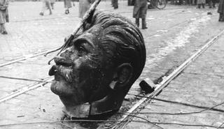 cabeza-stalin-budapest-1956