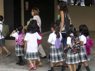 educacion-estudiantes-infancia-colegios-feminismo-sociedad_160996481_18279884_320x240