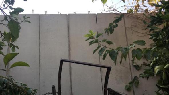 muro-campo-refugiados-libano-kpth-620x349abc