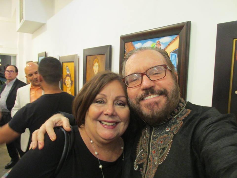 La muy querida periodista y pintora Ninoska Pérez Castellón con el escritor y crítico Daniel Fernández