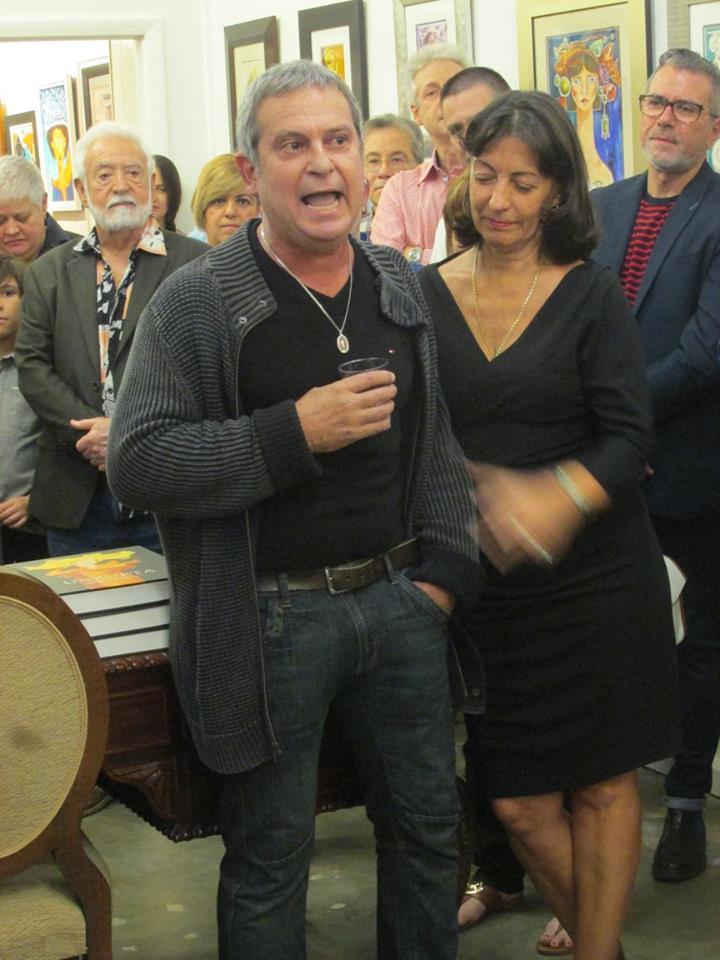 Manolo Rodríguez cantando a Sindo Garay y Enaida Unzueta