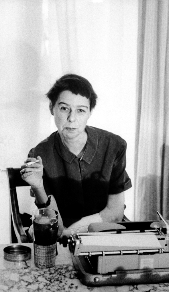 NO VOLVER A USAR SIN PERMISO DE FOTOGRAFIA /// Writer Carson McCullers sitting at typewriter.  (Photo by Leonard Mccombe/The LIFE Picture Collection/Getty Images)