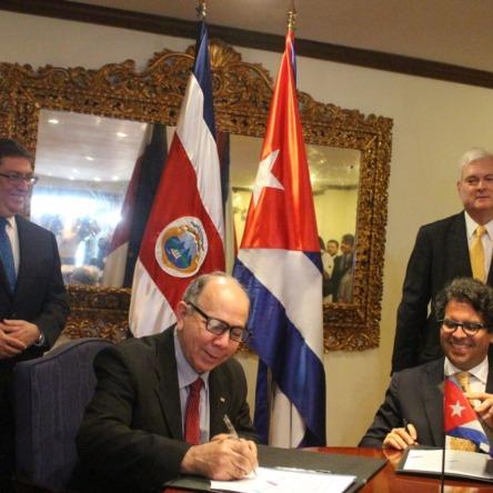 Resultado de imagem para Costa Rica, cuidado con la injerencia castrista